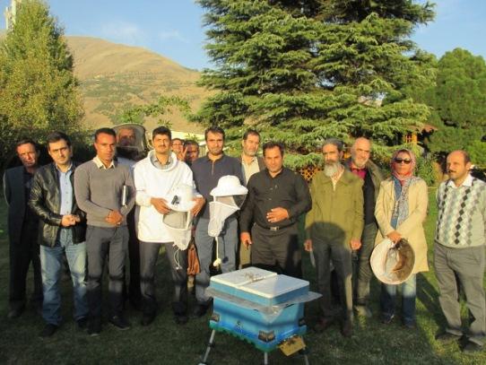 برگزاری کارگاه های آموزشی پرورش زنبور عسل برای مراکز عمومی و نهاد های دولتی