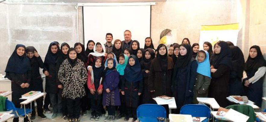 برگزاری کلاس آموزشی پرورش زنبور عسل برای انجمن حمایت از کودکان کار و خیابان