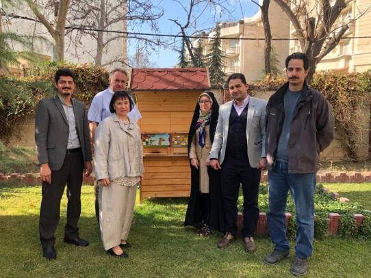 مشاور سفیر جمهوری اسلونی در زمینه توسعه و ترویج زنبورداری